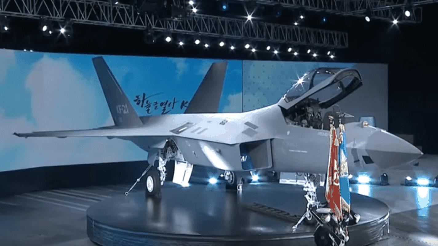 Chien dau co tang hinh KF-21 lieu co du suc sanh ngang F-35?