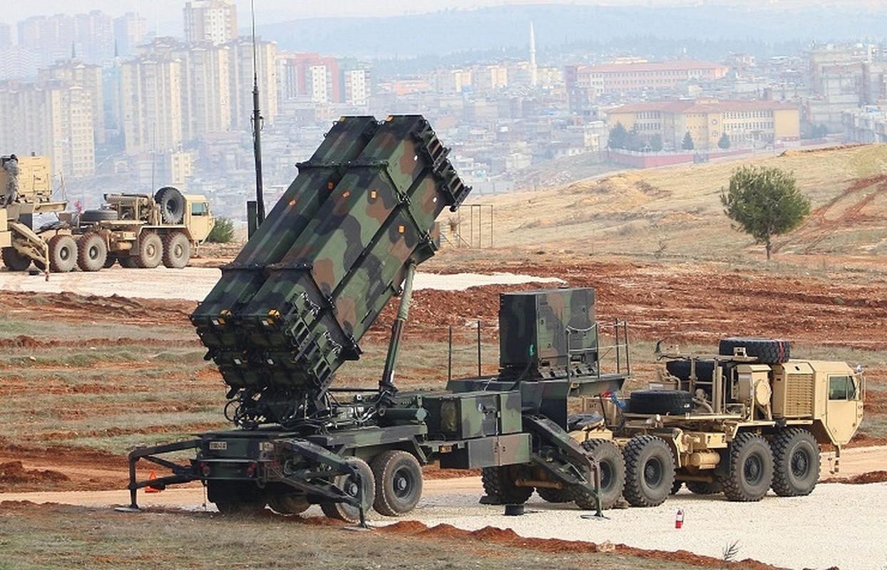 """Iran khoe ten lua """"cua nha trong duoc"""" manh hon ca S-400 Nga-Hinh-10"""