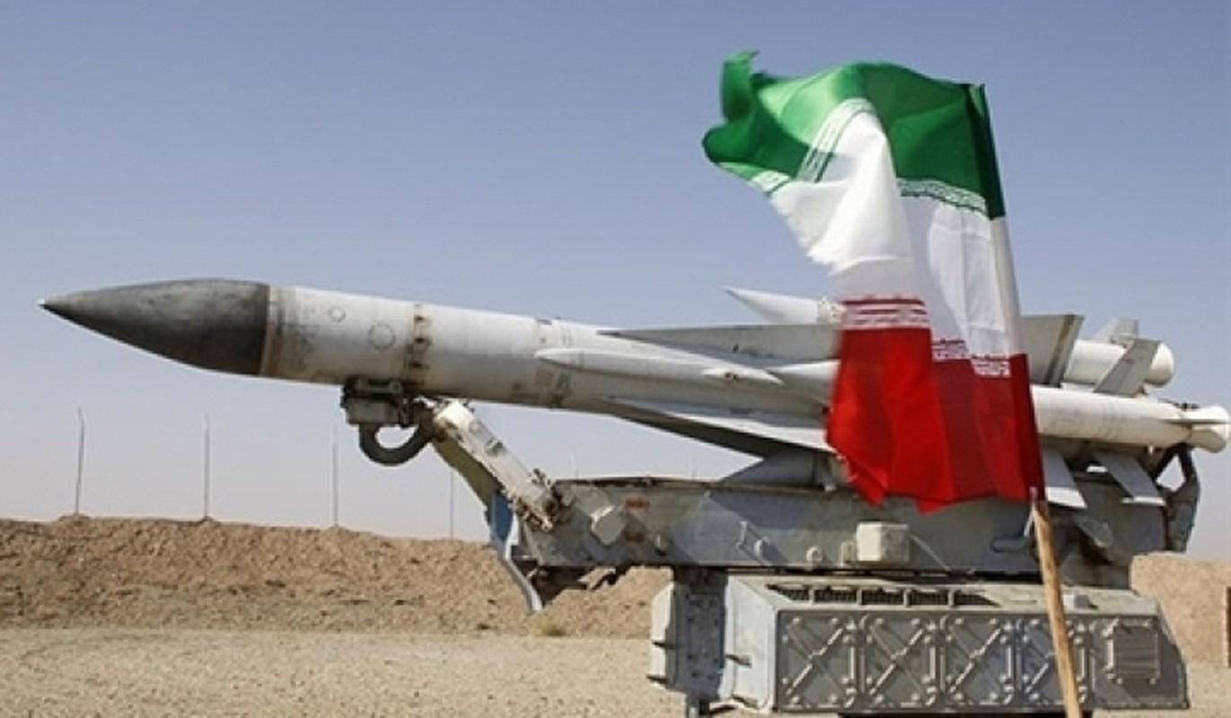 """Iran khoe ten lua """"cua nha trong duoc"""" manh hon ca S-400 Nga-Hinh-3"""