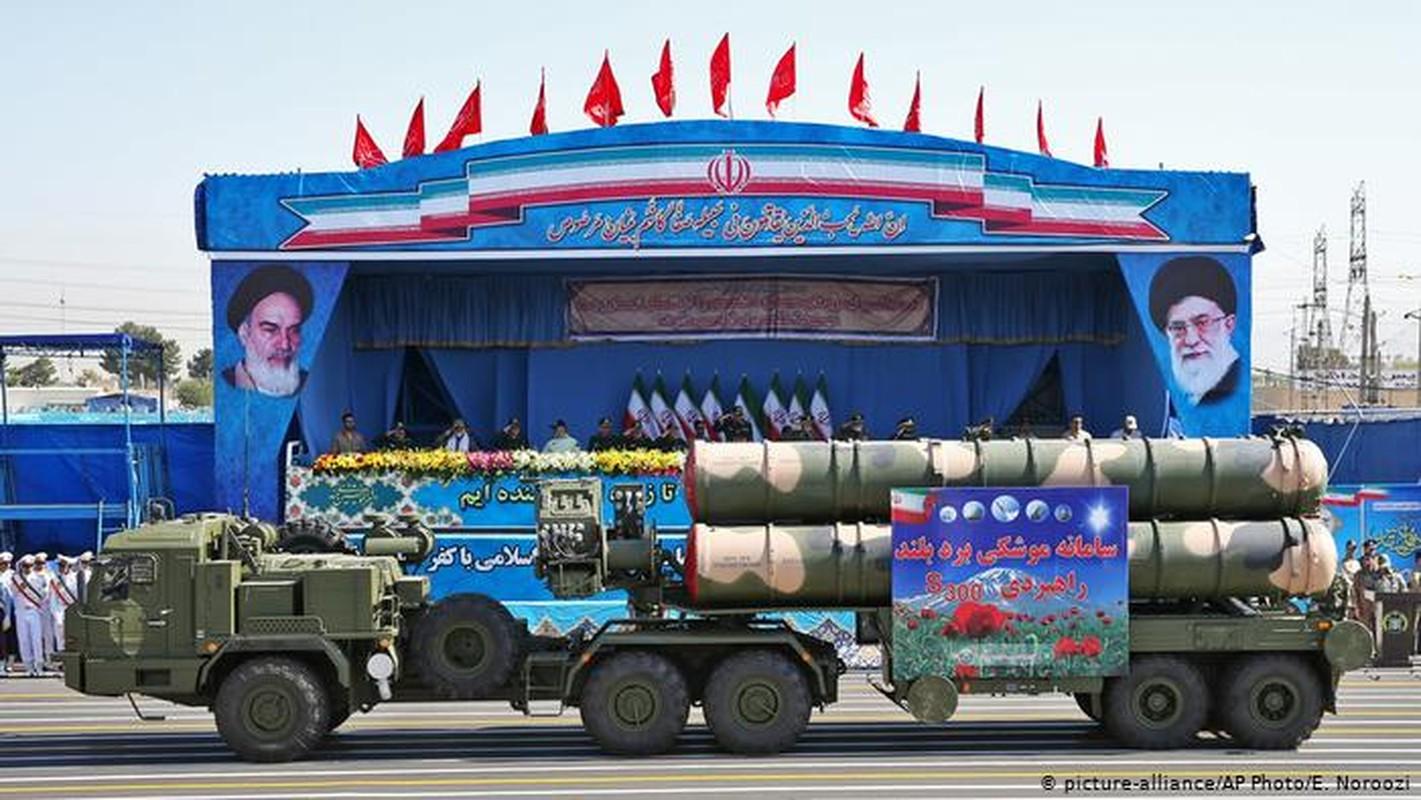 """Iran khoe ten lua """"cua nha trong duoc"""" manh hon ca S-400 Nga-Hinh-4"""
