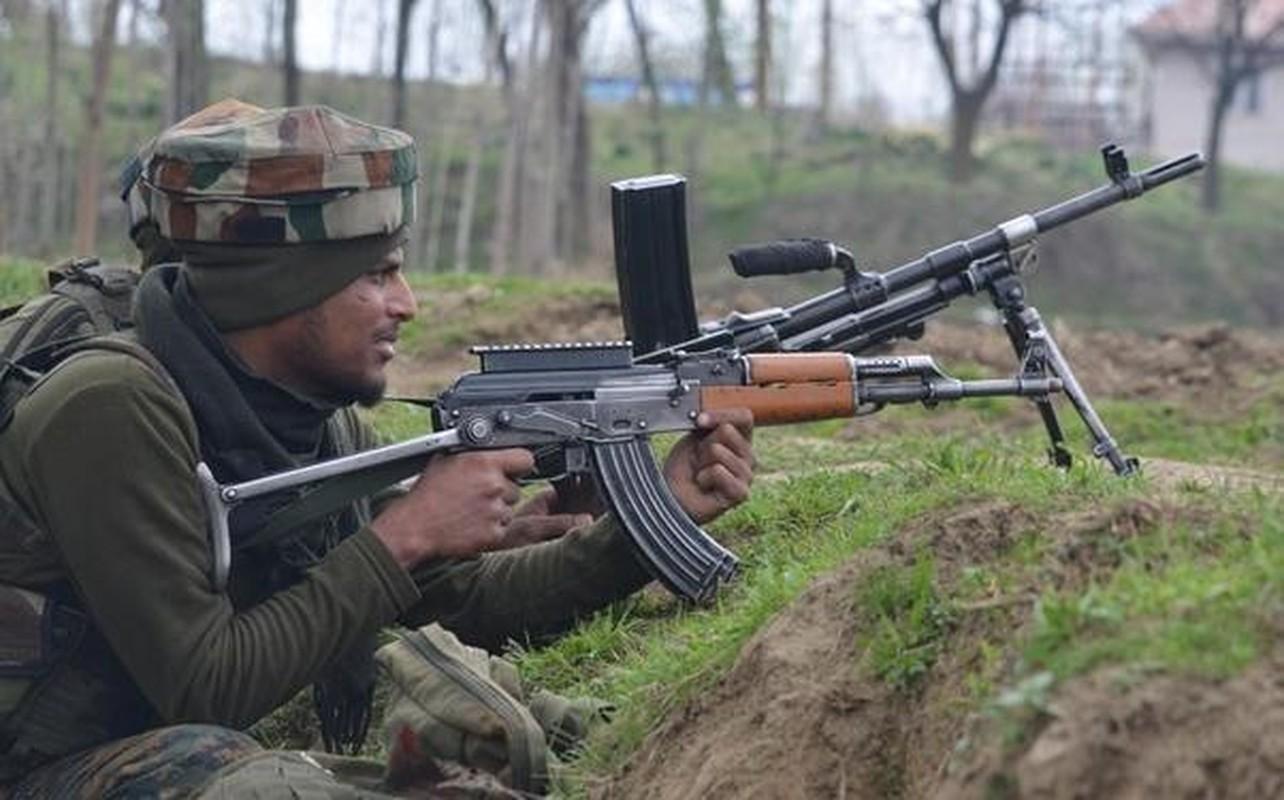 Afghanistan khien An Do yeu cau Nga cung cap khan mot lo AK-203