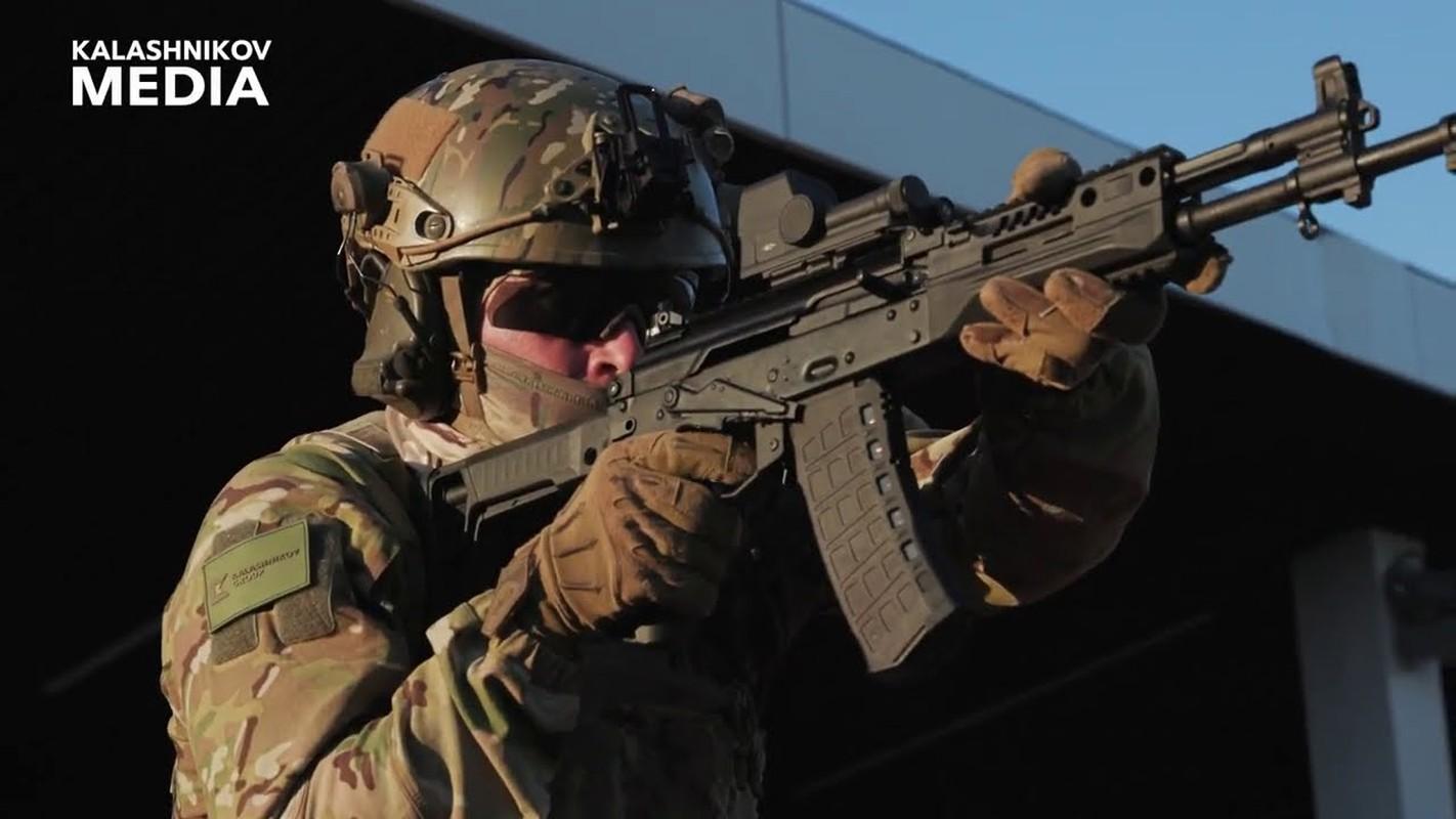Nga chinh thuc trang bi sieu sung tuong tan cong AK-12 cho toan quan