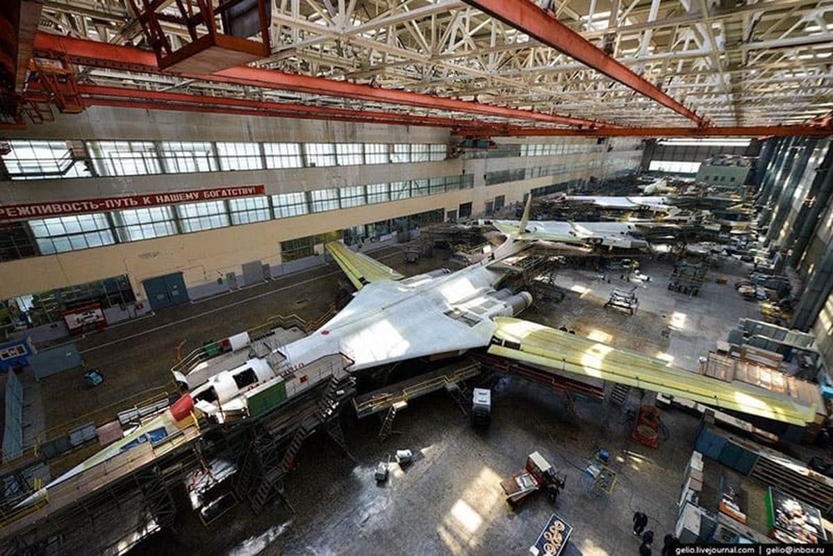 Nhung no luc toi da de san xuat them oanh tac co Tu-160M2-Hinh-12