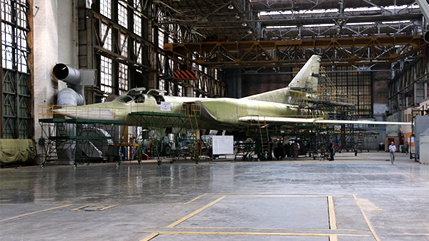 Nhung no luc toi da de san xuat them oanh tac co Tu-160M2-Hinh-13