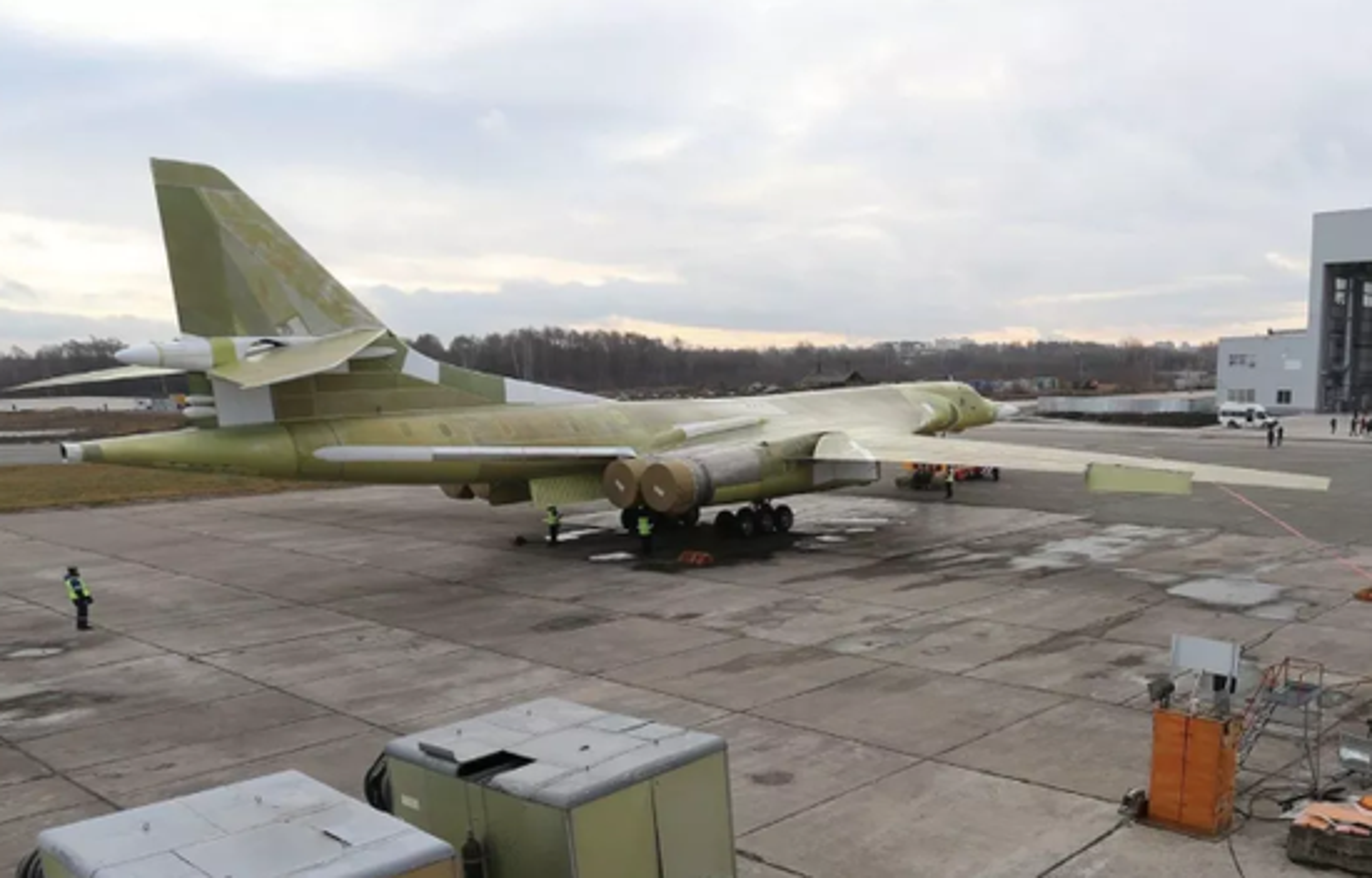 Nhung no luc toi da de san xuat them oanh tac co Tu-160M2-Hinh-3