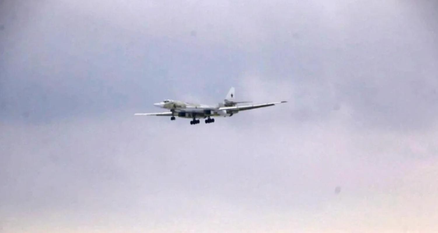 Nhung no luc toi da de san xuat them oanh tac co Tu-160M2