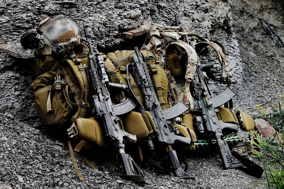"""Kiem tra khau AK """"Alfa FSB"""" duoc trang bi cho dac nhiem Alfa-Hinh-14"""
