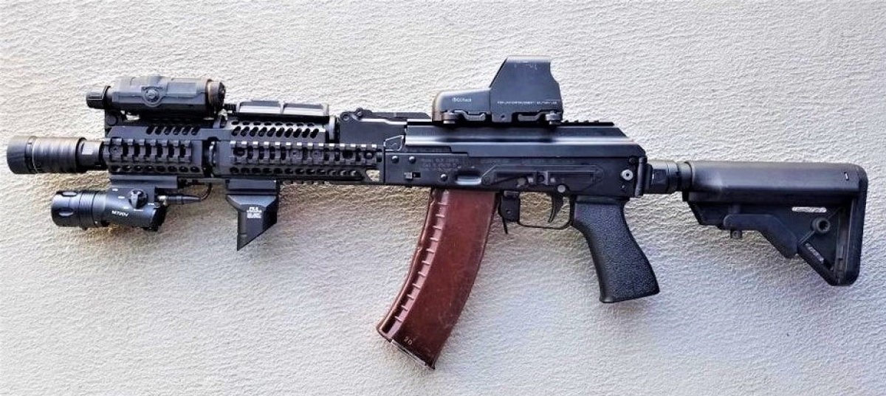 """Kiem tra khau AK """"Alfa FSB"""" duoc trang bi cho dac nhiem Alfa-Hinh-4"""