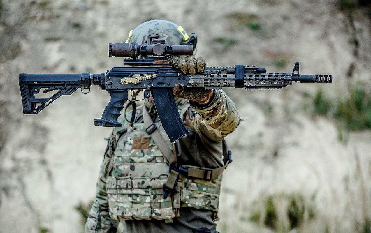 """Kiem tra khau AK """"Alfa FSB"""" duoc trang bi cho dac nhiem Alfa-Hinh-6"""