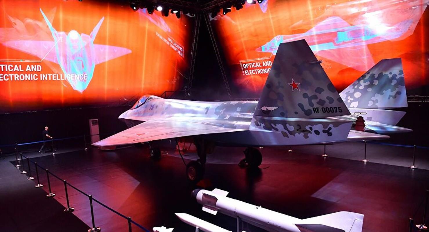 Su-75 va J-10C: Tiem kich nao thuc su de doa duoc phuong Tay?