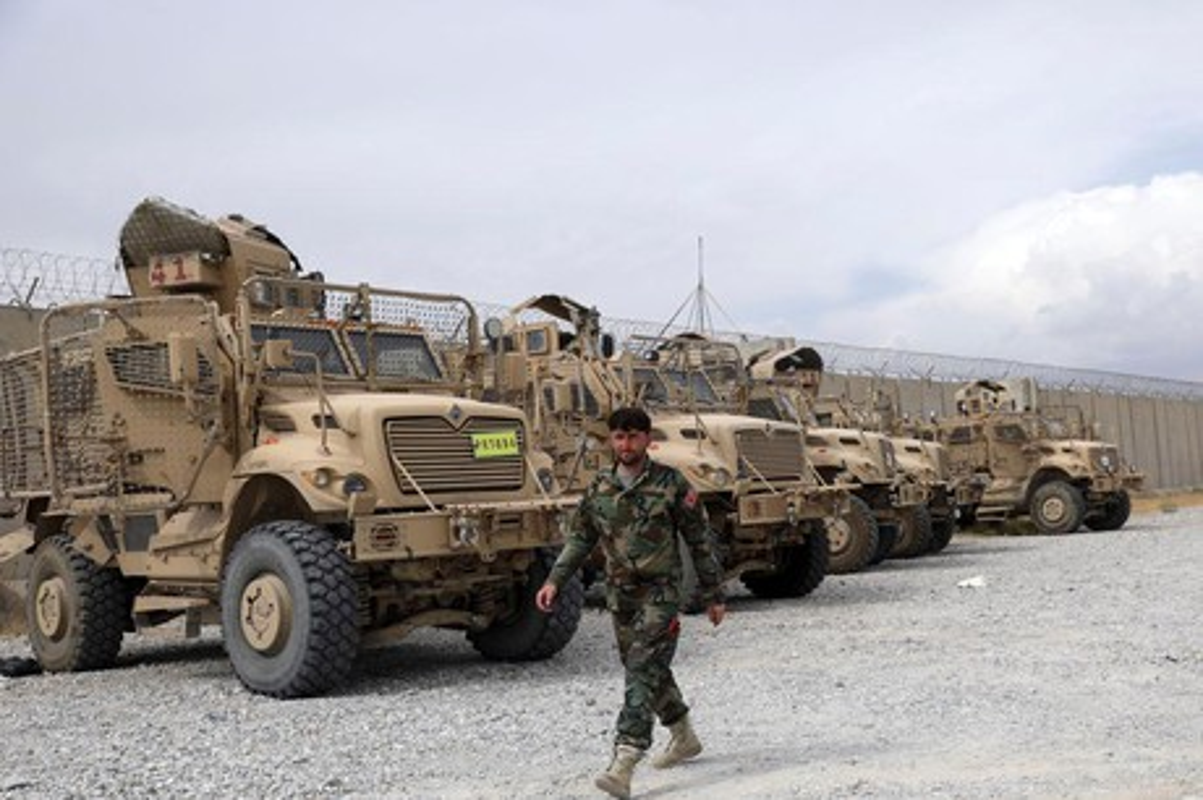 Vu khi Taliban thu duoc cua My: Co the chi la do trang tri!-Hinh-11