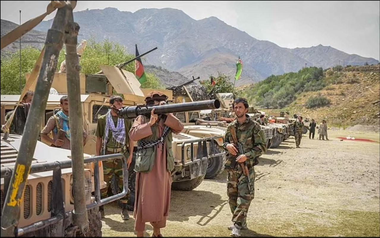Vu khi Taliban thu duoc cua My: Co the chi la do trang tri!-Hinh-8