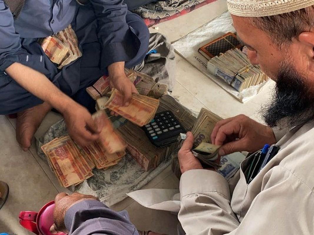 Afghanistan: Sung ong va bao luc tran lan khi Taliban nam quyen-Hinh-14