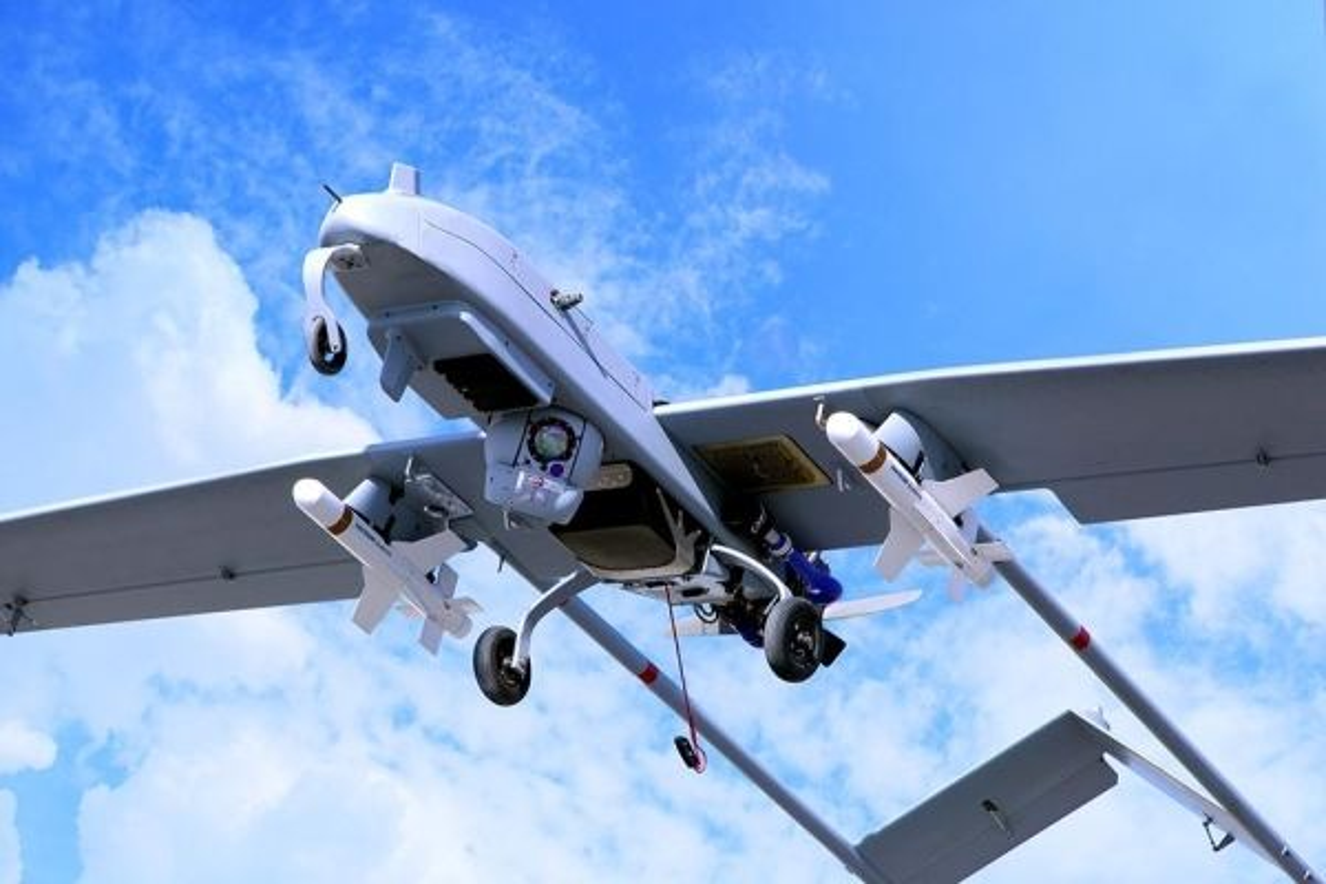 Phong khong tam thap qua te, My bo tay truoc UAV vu trang-Hinh-4