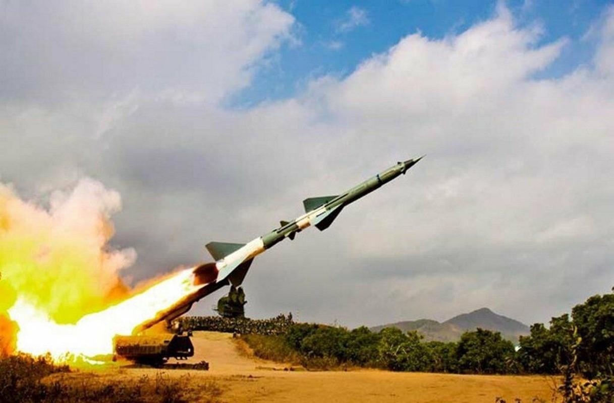 Phao dai bay B-52 dau tien bi Viet Nam ban roi dau tien khi nao?-Hinh-14