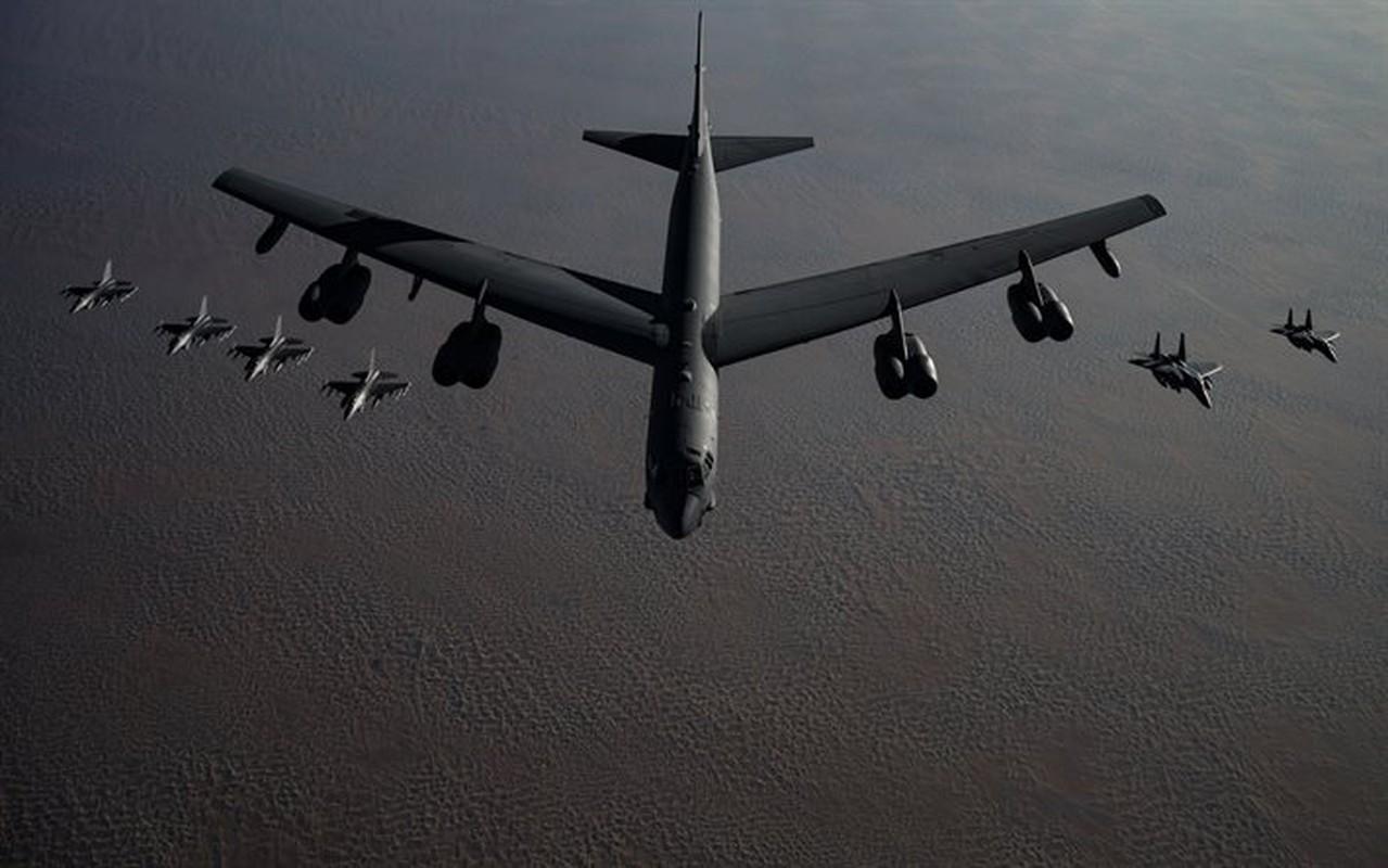 Phao dai bay B-52 dau tien bi Viet Nam ban roi dau tien khi nao?-Hinh-4