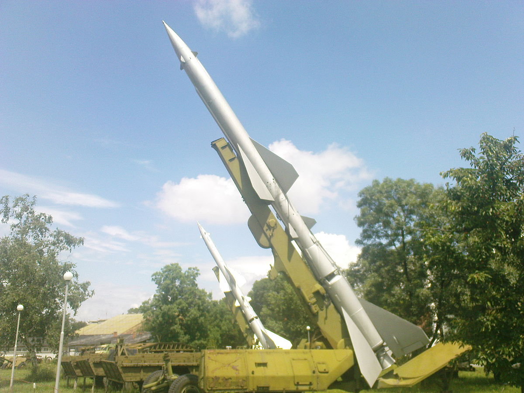 Phao dai bay B-52 dau tien bi Viet Nam ban roi dau tien khi nao?-Hinh-5