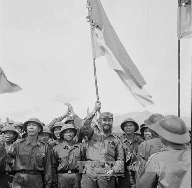 My khiep so nhung khau phao phong khong Fidel Castro tang Viet Nam-Hinh-16