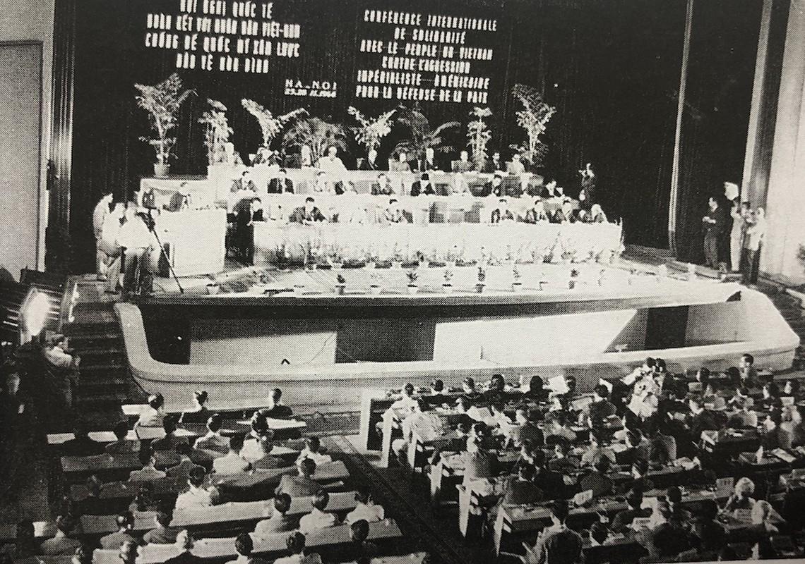 My khiep so nhung khau phao phong khong Fidel Castro tang Viet Nam