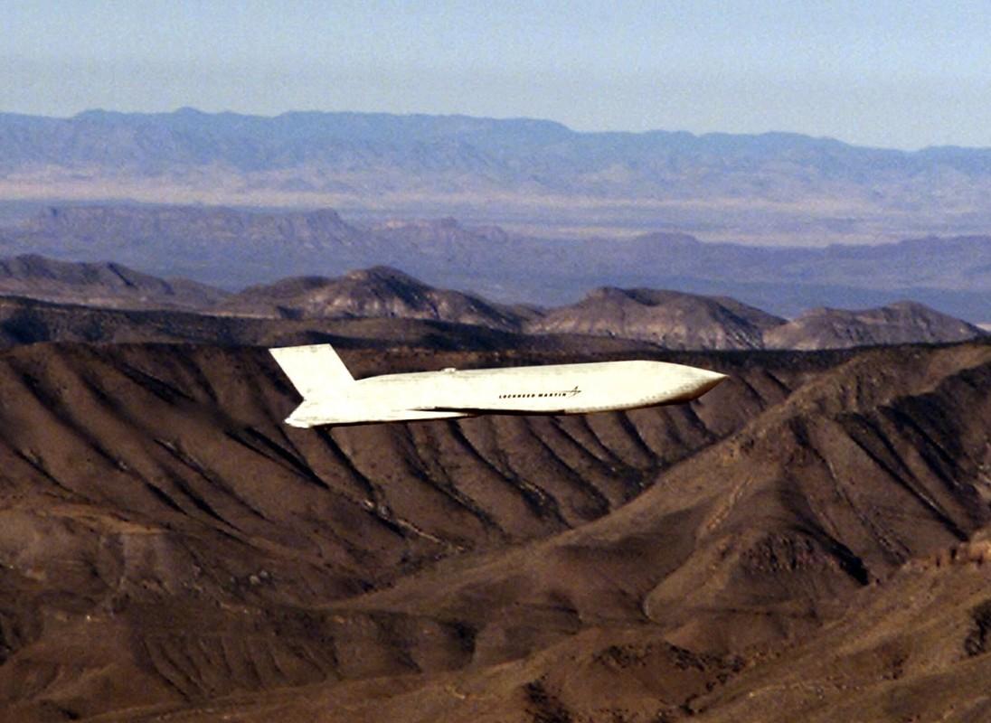 Cach Australia tan cong tam xa khi khong con tiem kich bom F-111-Hinh-13