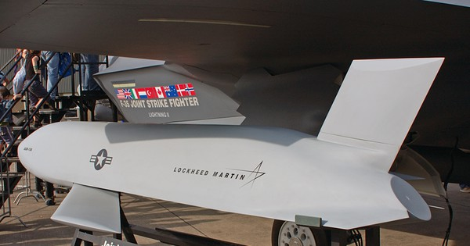 Cach Australia tan cong tam xa khi khong con tiem kich bom F-111-Hinh-16