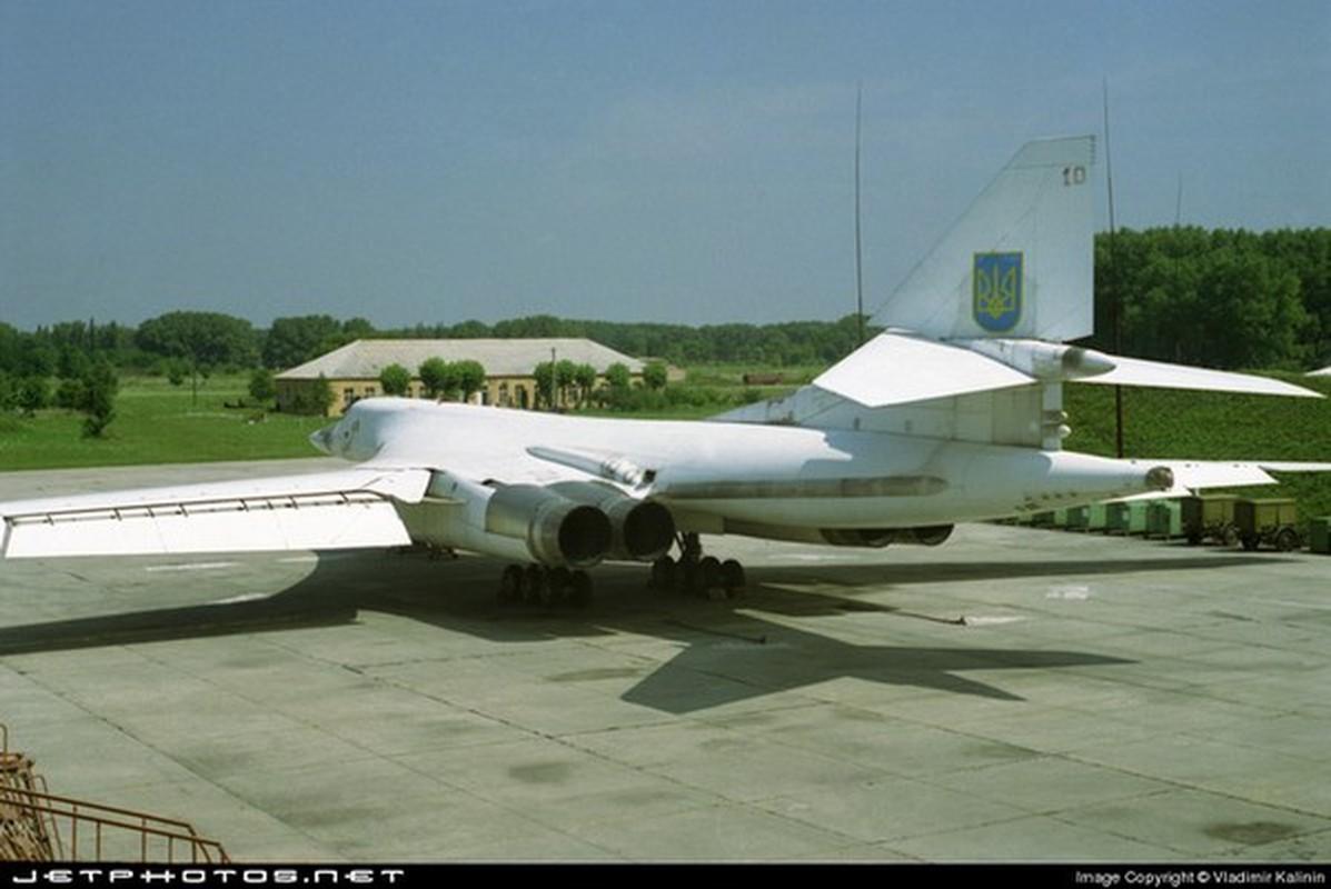 Trung Quoc om han khi thuong vu mua Tu-160 Ukraine bi My dap do-Hinh-6