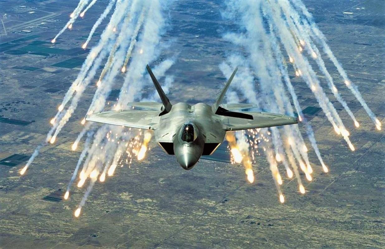 My va dong minh phat hoang khi F-14 Iran lot xac voi ten lua moi-Hinh-13