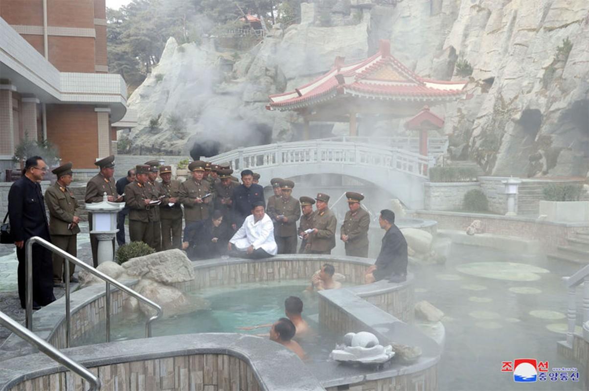 Anh hiem nhung chuyen thi sat cua nha lanh dao Trieu Tien Kim Jong-un-Hinh-7