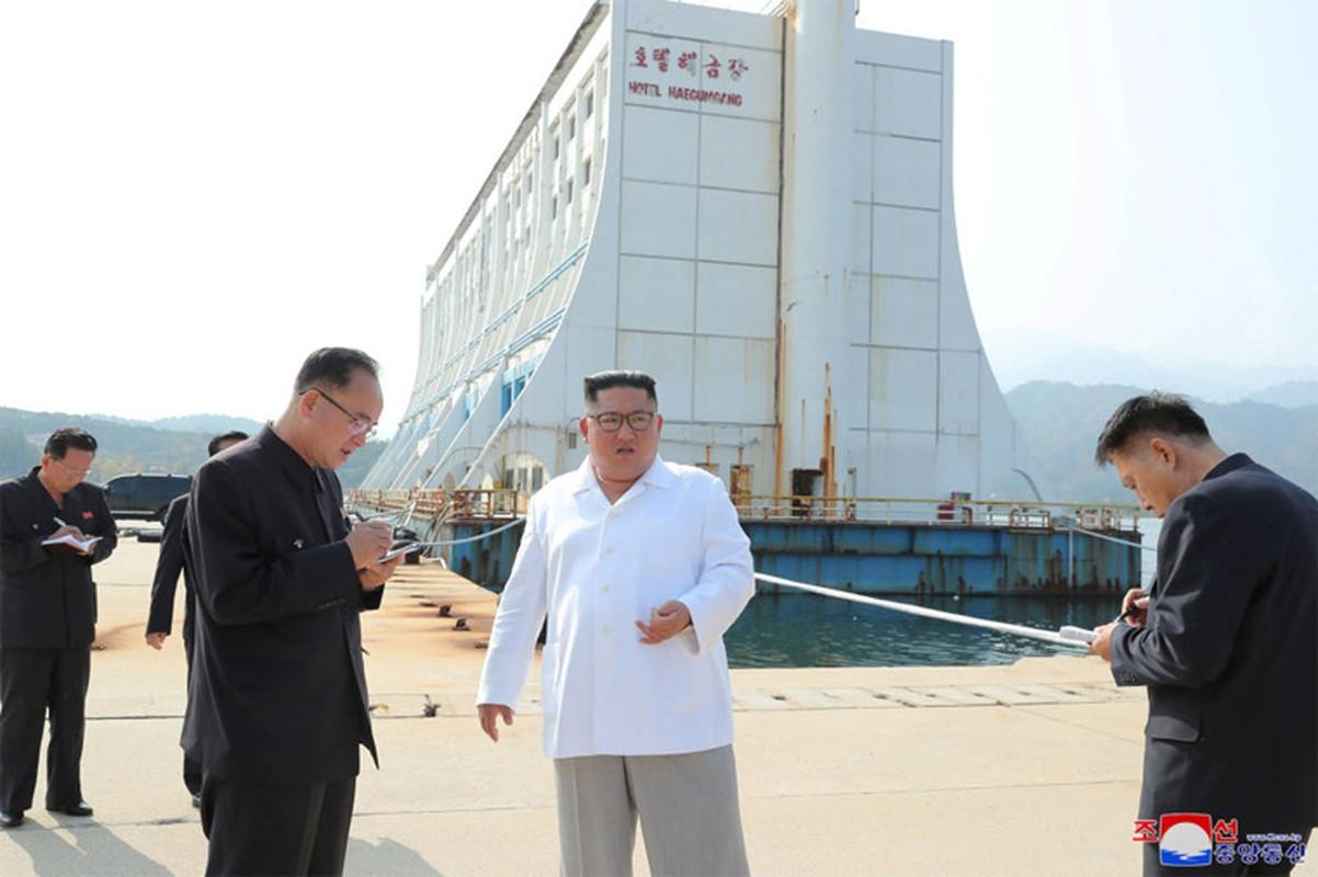 Anh hiem nhung chuyen thi sat cua nha lanh dao Trieu Tien Kim Jong-un