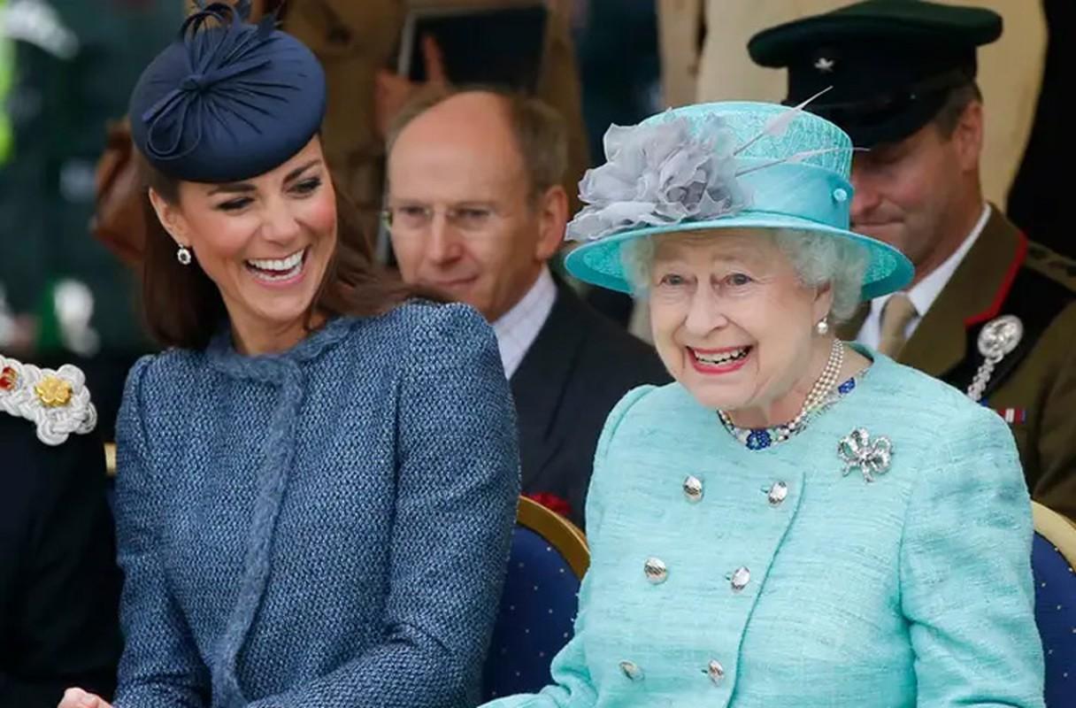 Loat hinh day bat ngo ve Nu hoang Anh Elizabeth II-Hinh-2