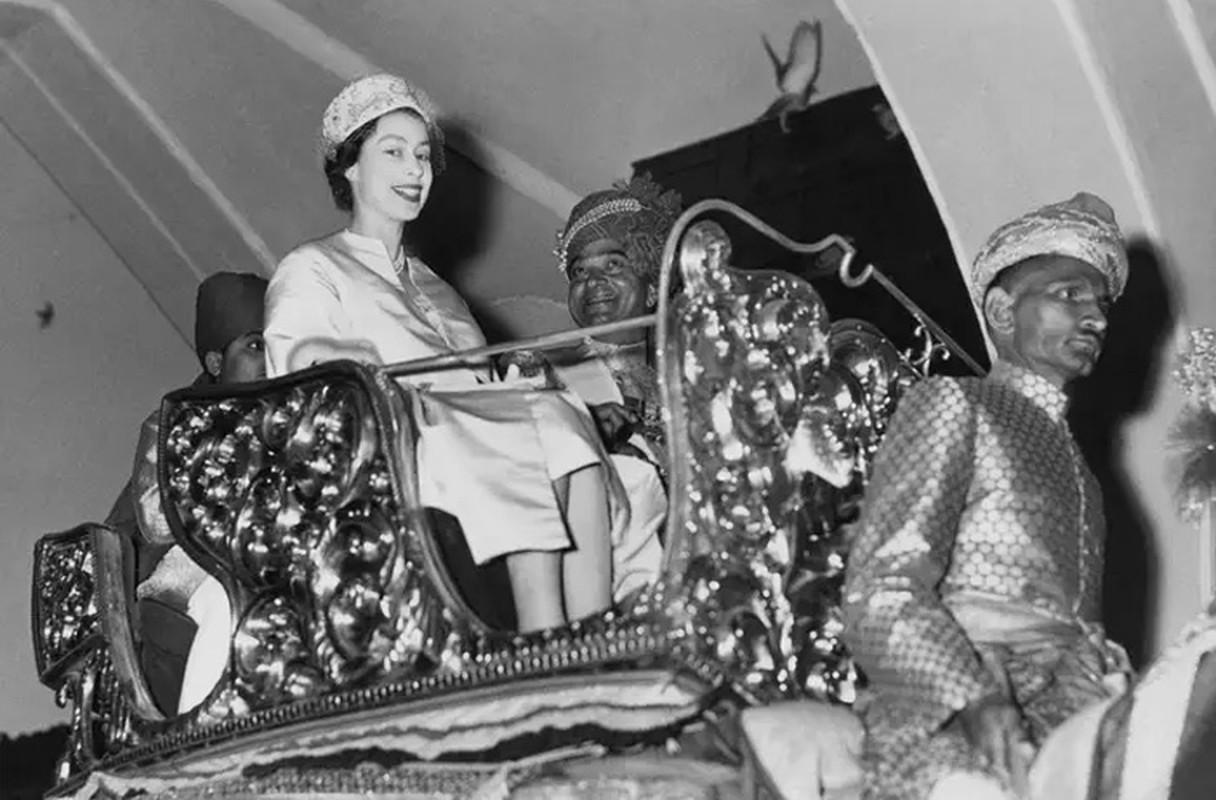 Loat hinh day bat ngo ve Nu hoang Anh Elizabeth II-Hinh-9