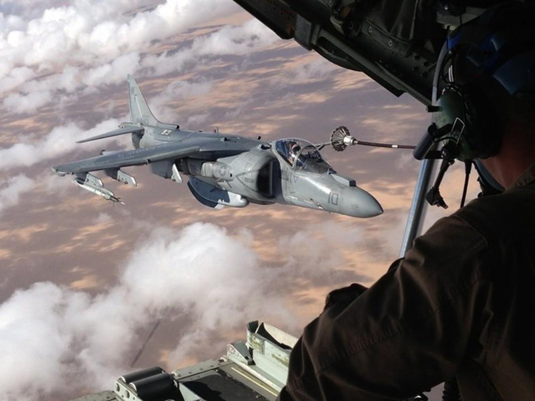 Anh huyen thoai van tai co C-130: 60 nam ben bi-Hinh-15