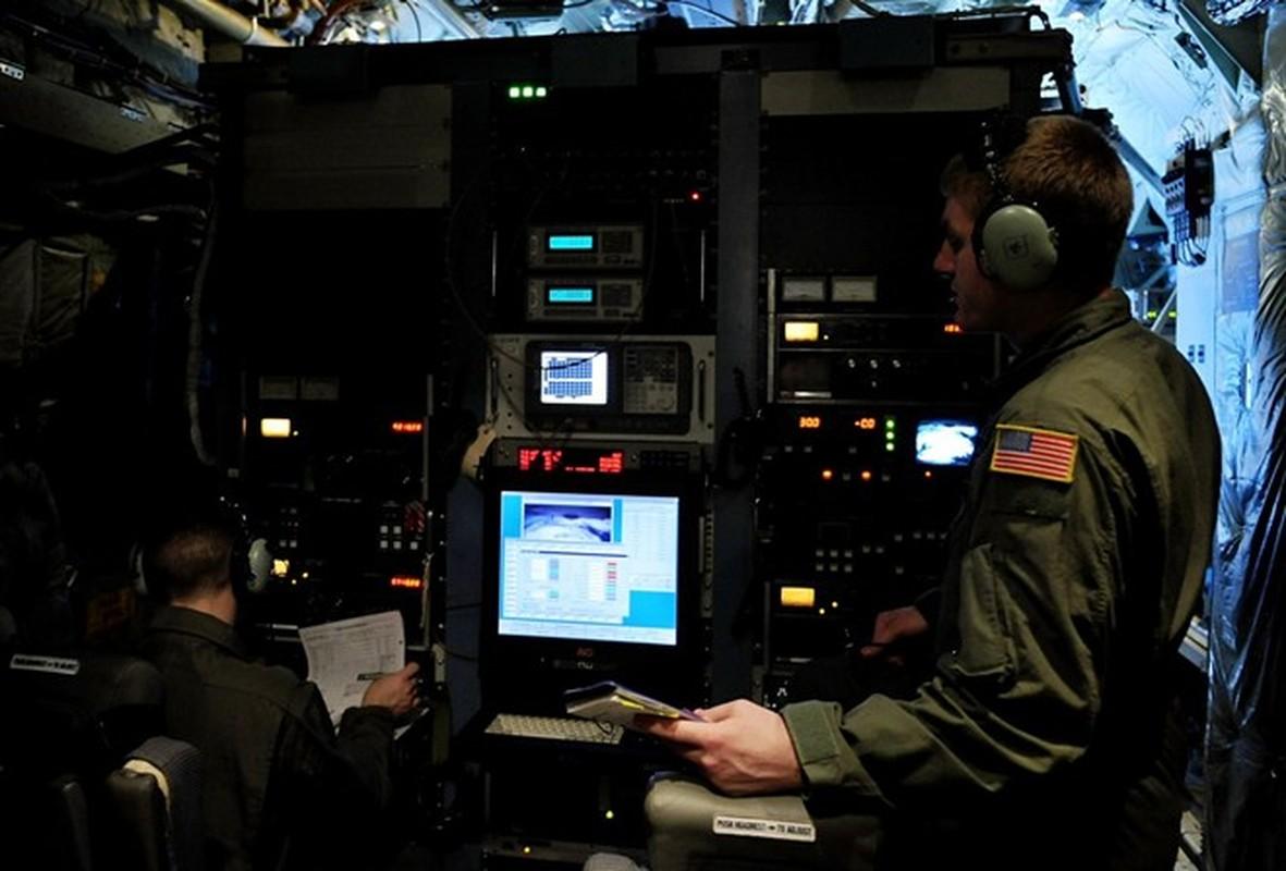 Anh huyen thoai van tai co C-130: 60 nam ben bi-Hinh-16
