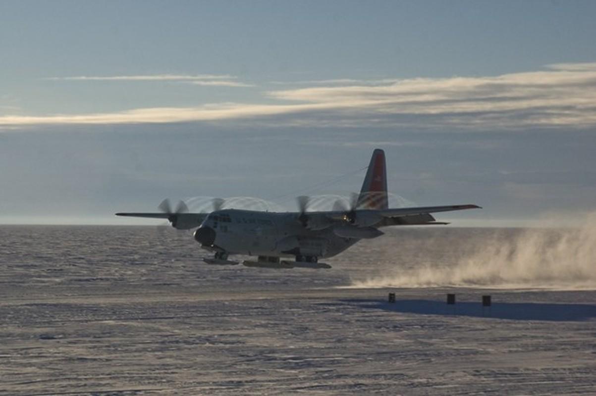 Anh huyen thoai van tai co C-130: 60 nam ben bi-Hinh-3