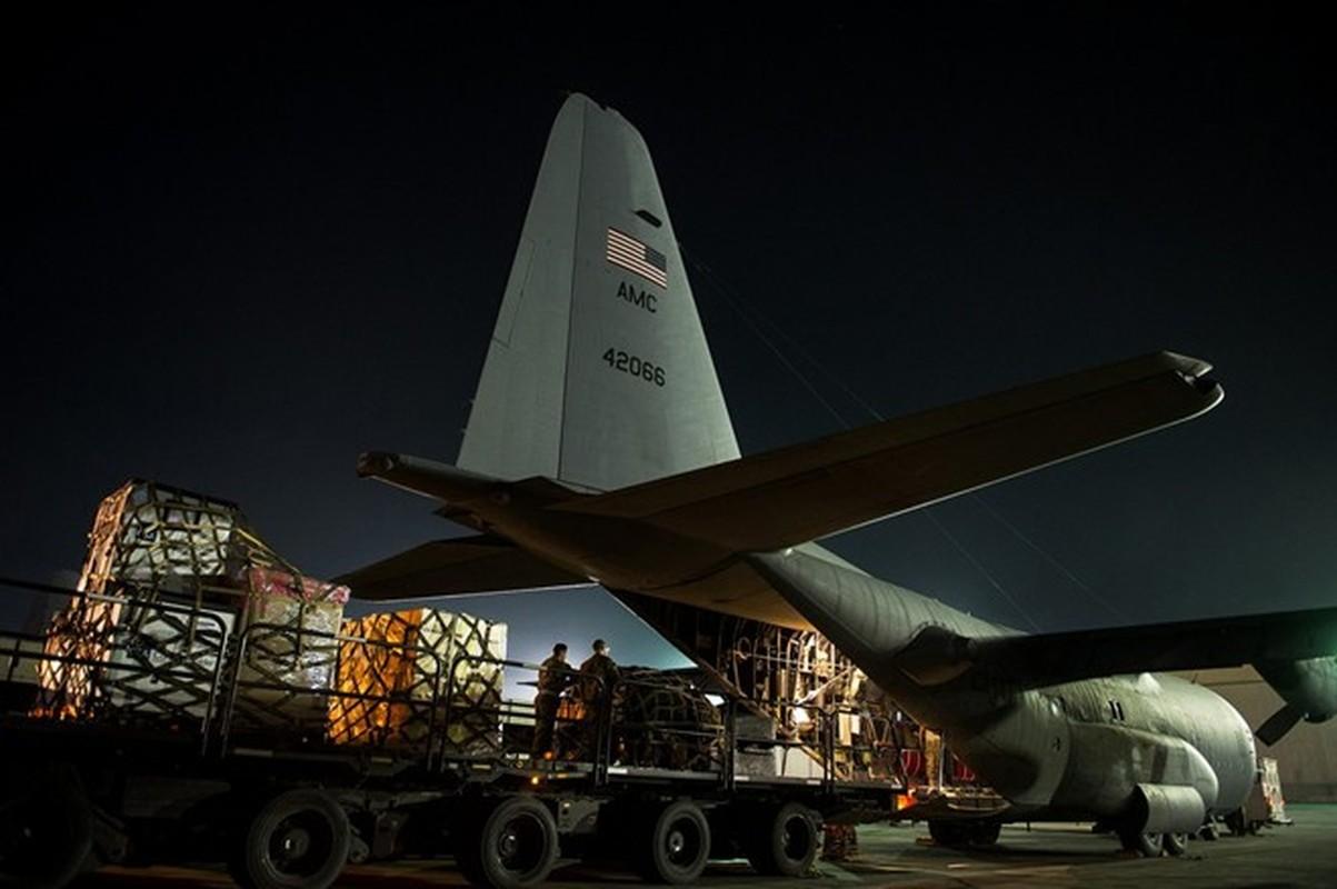 Anh huyen thoai van tai co C-130: 60 nam ben bi-Hinh-7