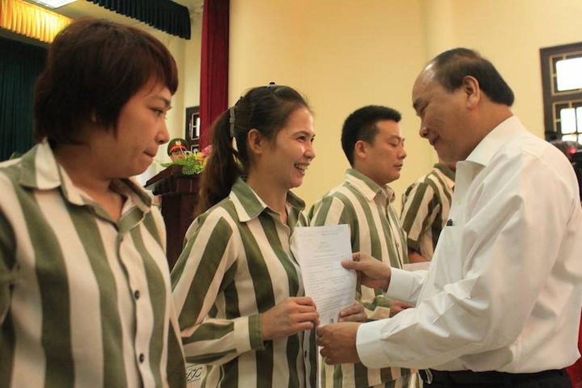 Pho Thu tuong Nguyen Xuan Phuc trao quyet dinh dac xa dip 2/9-Hinh-5