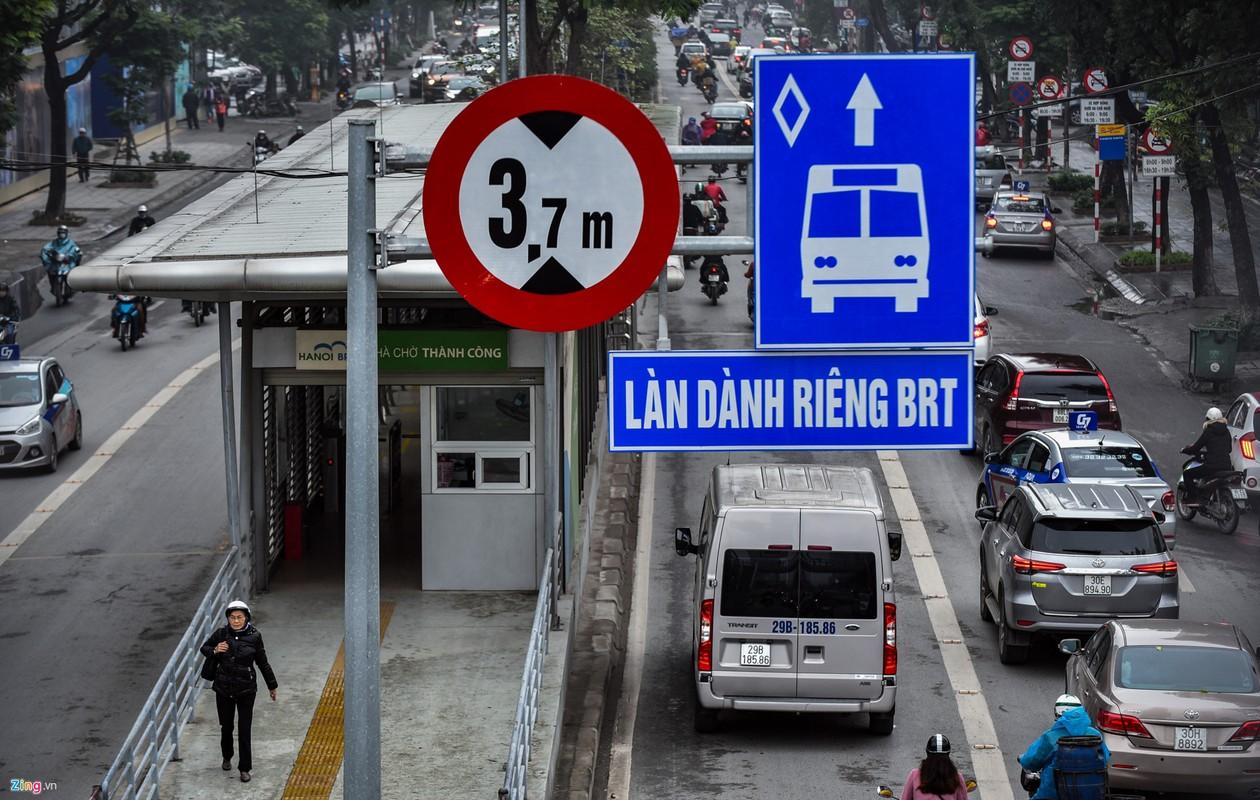 Oto, xe may tat dau buyt BRT nhung ngay can Tet-Hinh-2