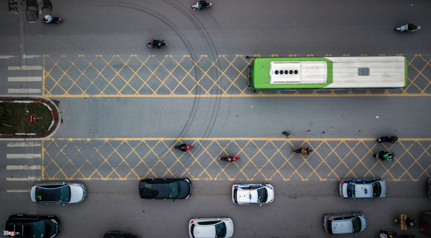 Oto, xe may tat dau buyt BRT nhung ngay can Tet-Hinh-5