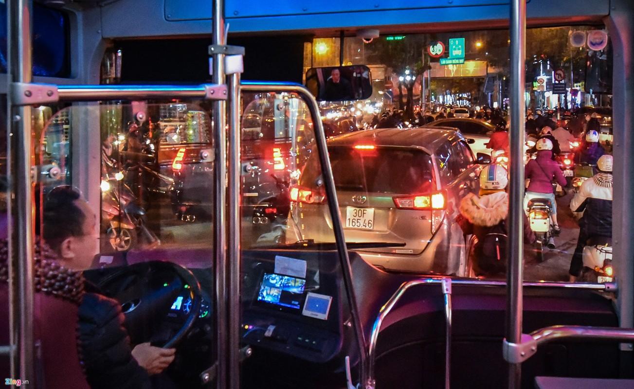 Oto, xe may tat dau buyt BRT nhung ngay can Tet-Hinh-9