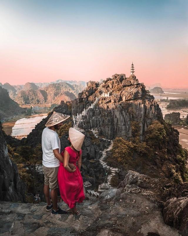 Ngo ngang ve dep tu dinh 'Van ly Truong Thanh phien ban Viet'-Hinh-7