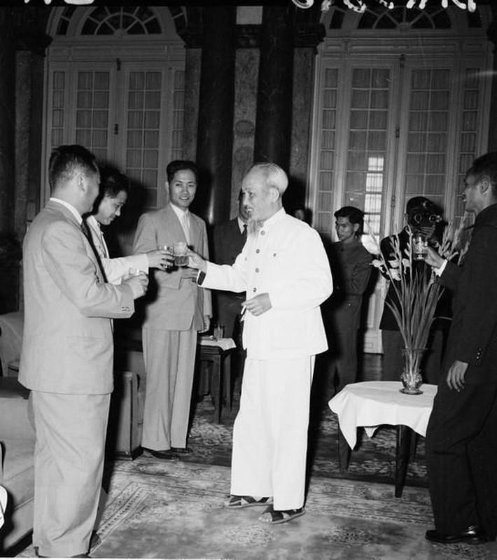 Hinh anh Thu tuong Kim Nhat Thanh tham huu nghi Viet Nam nam 1958-Hinh-2