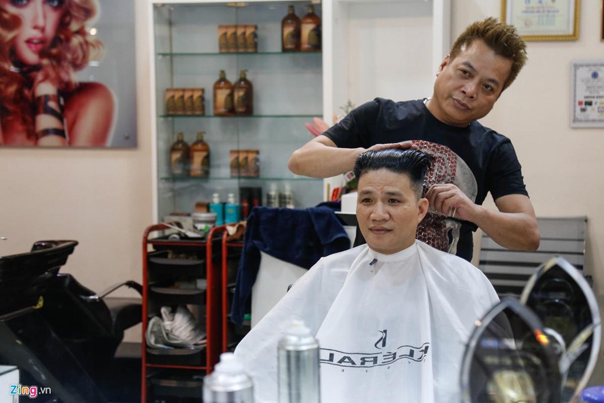 Thanh nien Ha Noi dua nhau cat toc kieu Kim Jong Un-Hinh-2