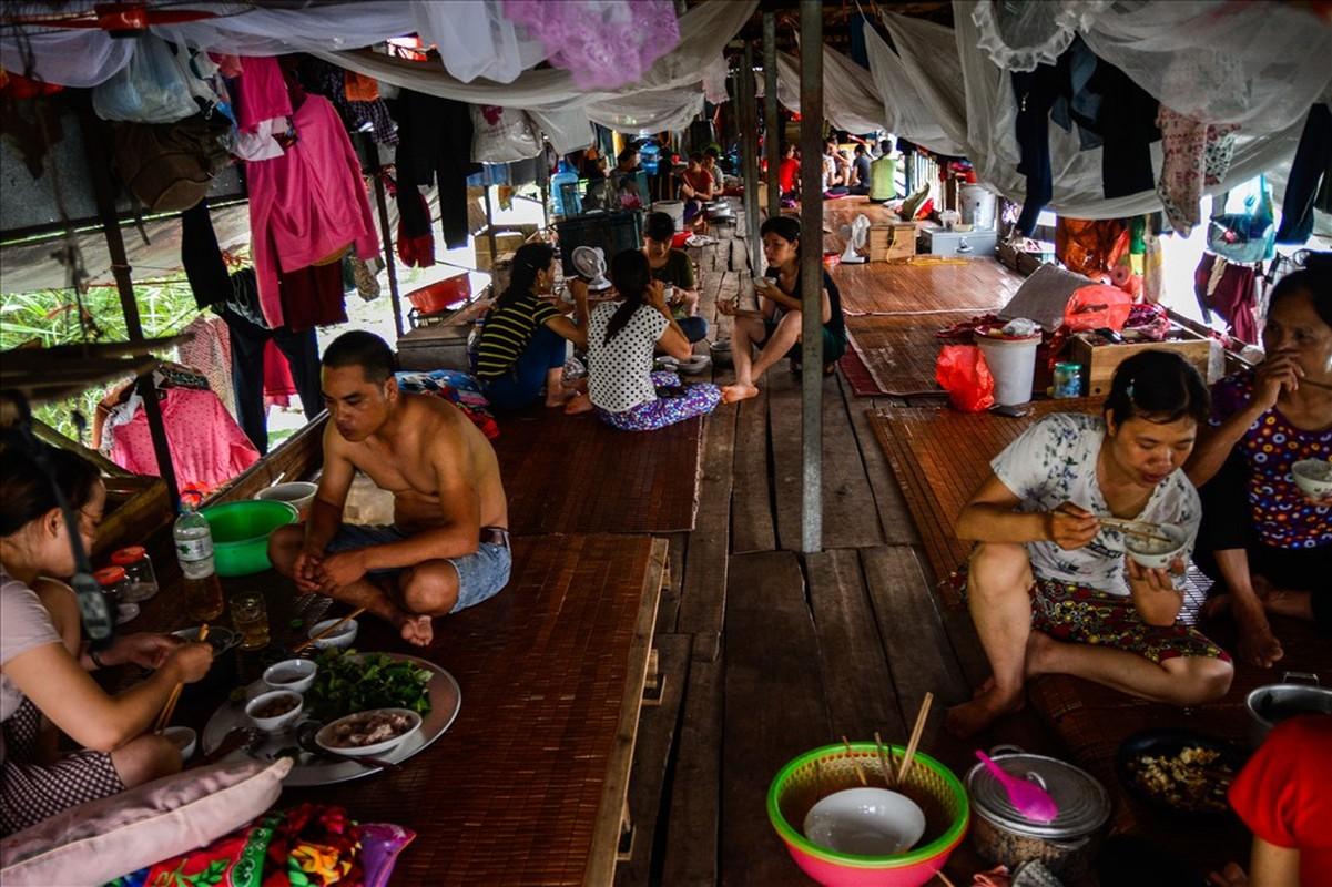 Cuoc song tren thuyen cua nguoi lao dong nhap cu tai Ha Noi-Hinh-10