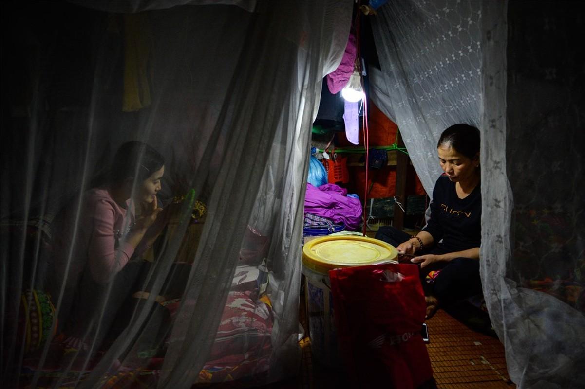Cuoc song tren thuyen cua nguoi lao dong nhap cu tai Ha Noi-Hinh-9