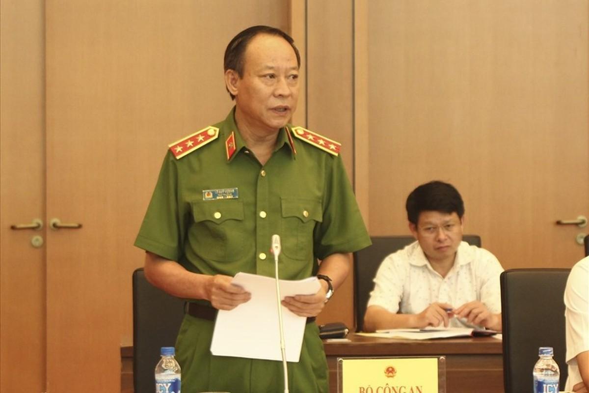 Toan canh vu Nguyen Huu Linh dam o be gai trong thang may-Hinh-14