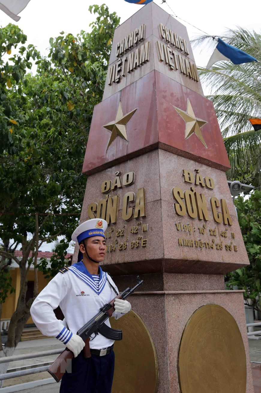 Can canh cuoc song cua cac chien si Truong Sa-Hinh-5