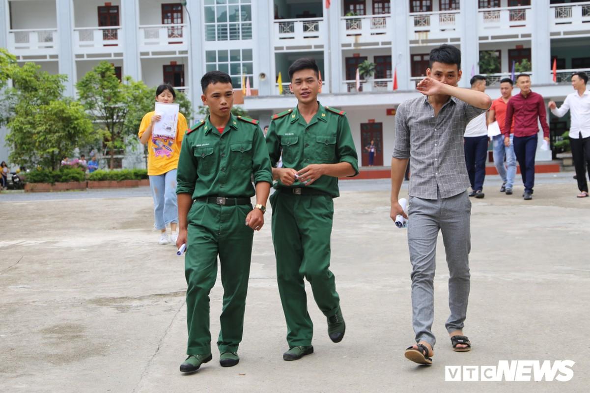 """""""50 sac thai"""" cua thi sinh ngay thi dau tien THPT 2019-Hinh-16"""