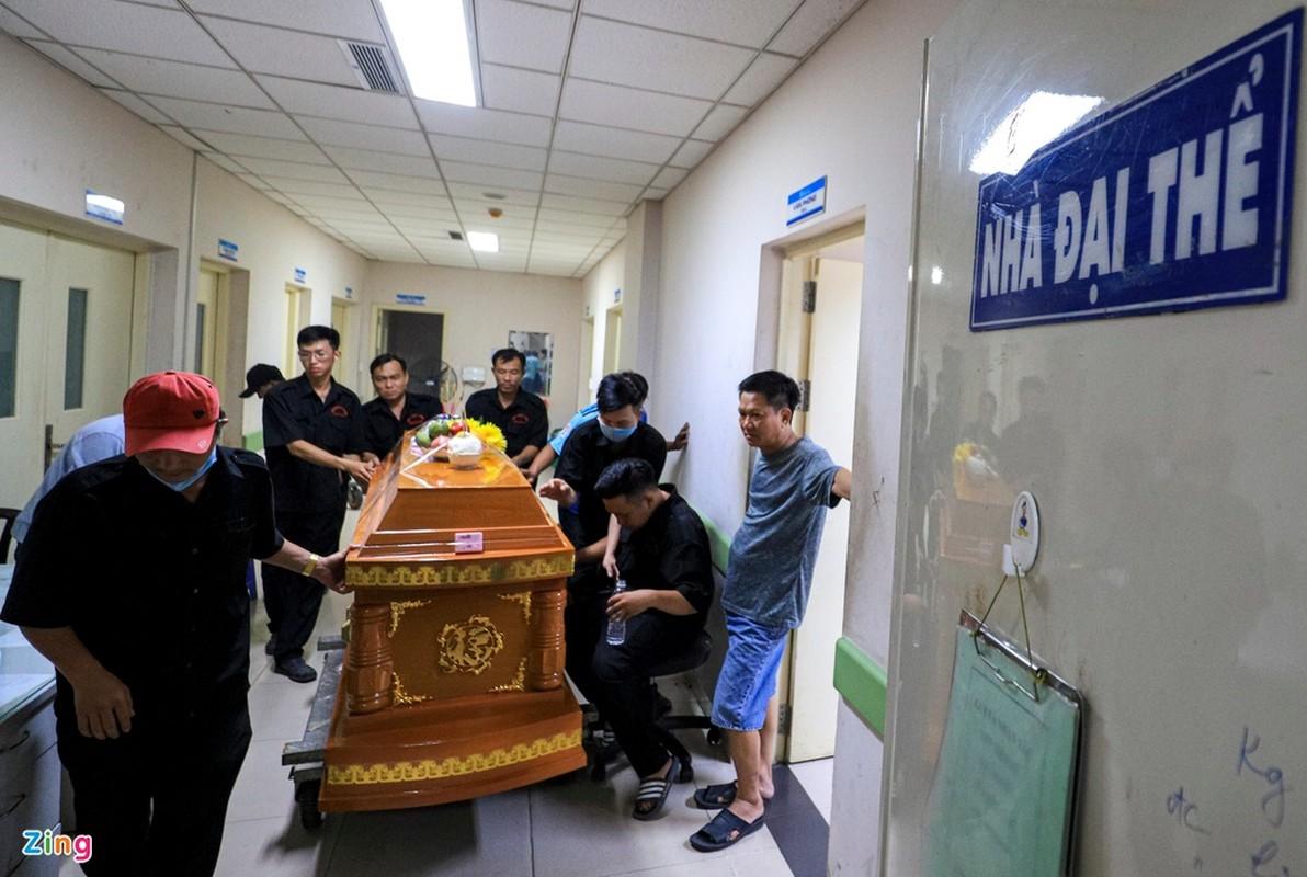 Sap tuong Dong Nai, 10 nguoi tu vong: Dem trang tai benh vien-Hinh-2