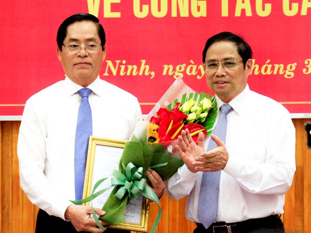Chan dung 15 Bi thu tinh, thanh vua duoc Bo Chinh tri bo nhiem-Hinh-17