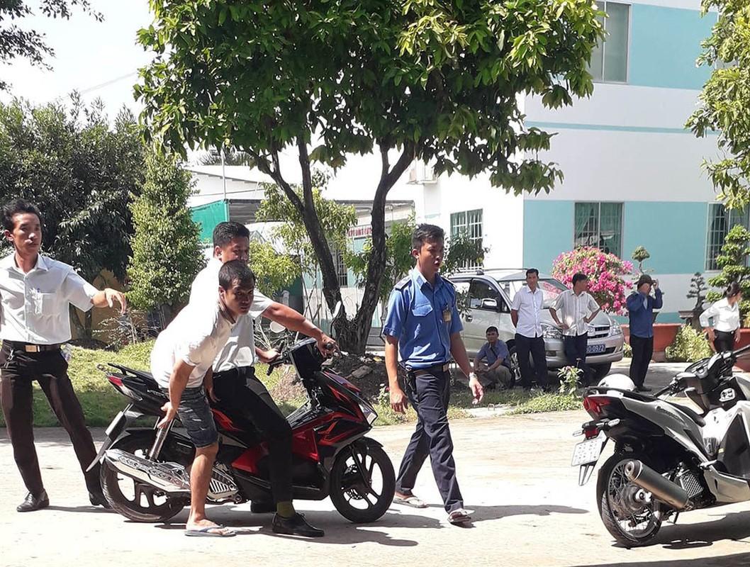 Hon chien hoc vien cai nghien Tien Giang: Bao vu tron, bat con nghien?-Hinh-5